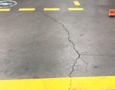 Pęknięcia płyt betonowych